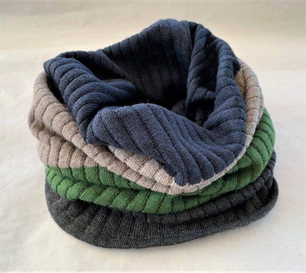 halsedisse_strikket_i_merinould_grøn_grå_mørkeblå_beige_antracite